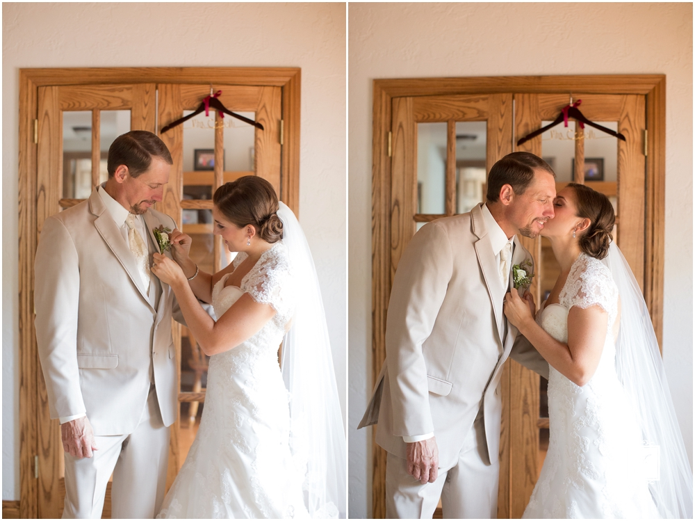 A classic rustic burgundy and burlap wedding at Rizzos in Greensburg Pennsylvania by Jackson Signature Photography