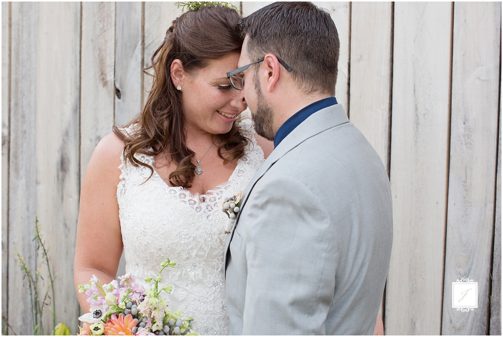 Laurel Hideaway wildflower bohemian wedding in Donigal by Jackson Signature Photography