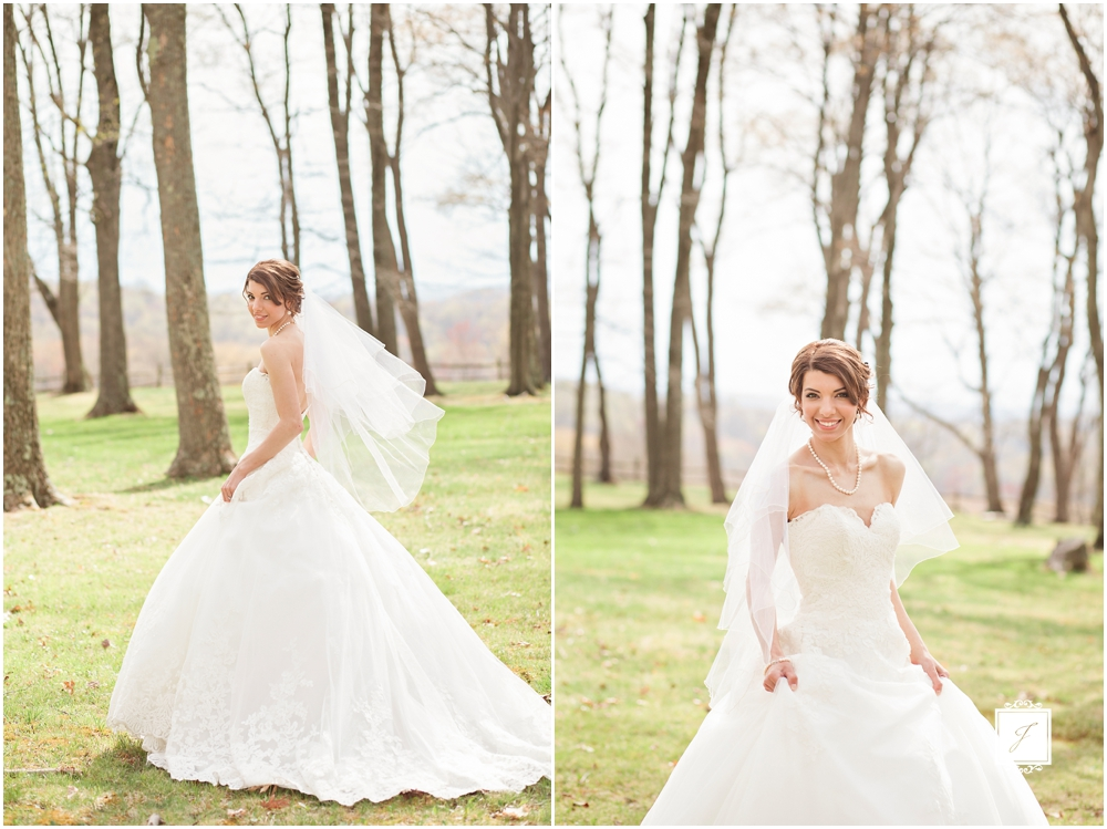 Classic Blush barn at Ligonier Wedding_Jackson Signature Photography_0005.jpg