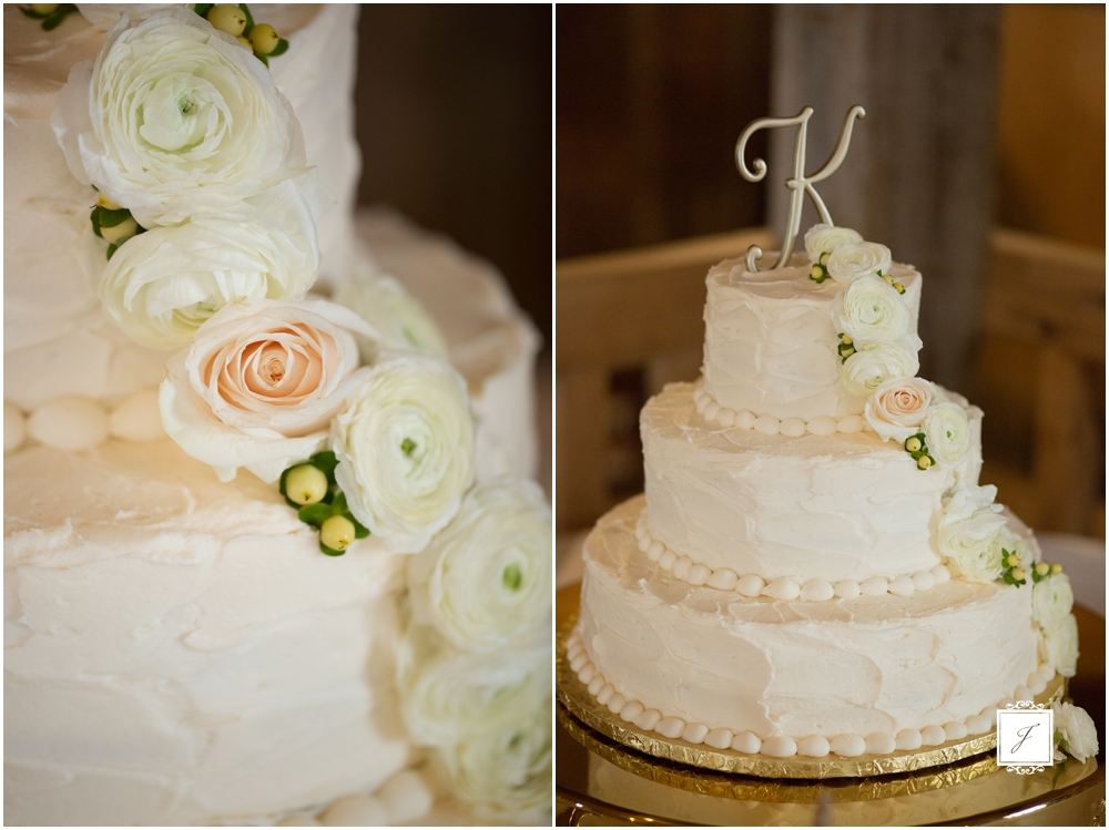 Favorite Wedding Cake, White Bran Wedding, Simple Wedding Cake, white wedding cake, rustic wedding cake, classic wedding cake, jackson Signature Photography, Wedding at the White Barn in Prospect Pennsylvania, Pennsylvania Wedding photographer, Latrobe Wedding photographer