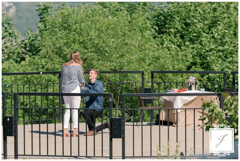 Mount Washington Proposal, Jackson Signature Photography, Pittsburgh Wedding Photographer, Engagement, Proposal on Mount Washington, Pittsburgh, Engagement Photographer