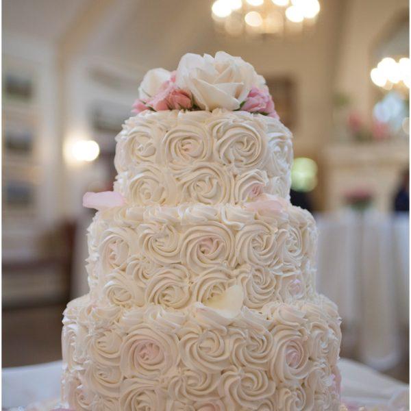 Favorite Cake | Latrobe Country Club Wedding
